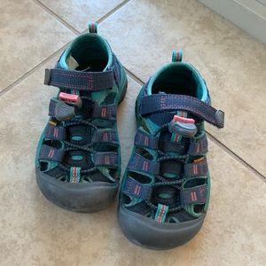 Keen hiking waterproof sandals - GUC